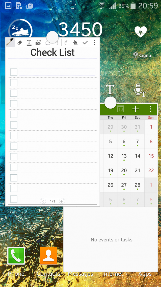 Screenshot of the Galaxy Note 4's multitasking feature, showing the check list on the left of the screen and the calendar on the right